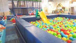 loc de joaca de interior si petreceri pentru copii Titan